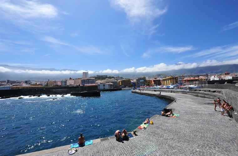 Puerto de la Cruz Harbour