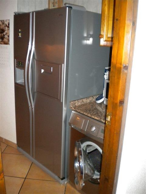 American refrigerator/freezer with ice maker, washing machine