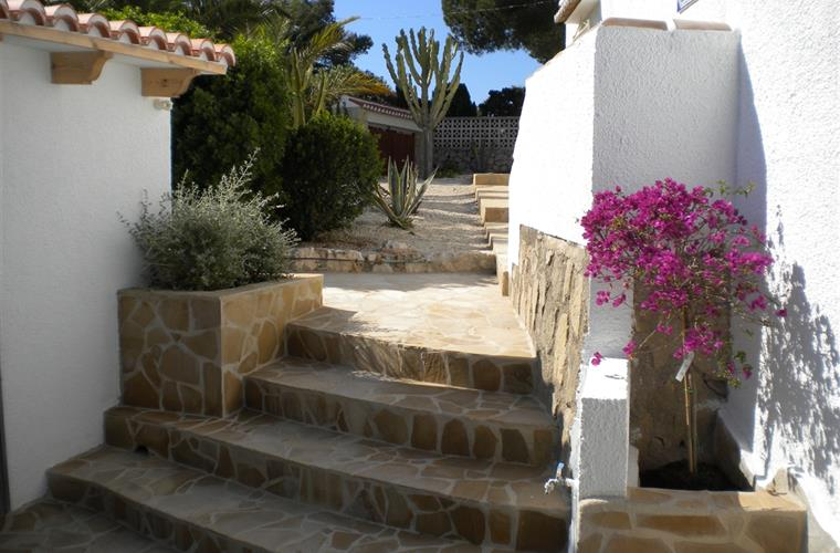 Holiday villa for rent in j vea balcon al mar j vea for Outdoor furniture javea