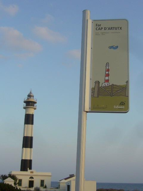 ARTRUTX LIGHTHOUSE NICE PROMENADE 800 METRES AWAY