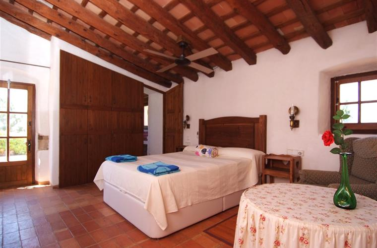 Master bedroom, room nº 4 with a private solarium