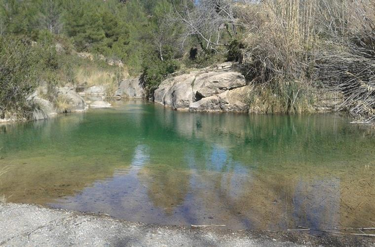Toll de Carlos deep springwater pool 5 min from house towards town