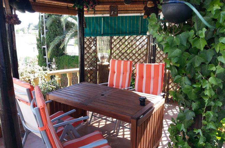 Gazebo with teak table 2016