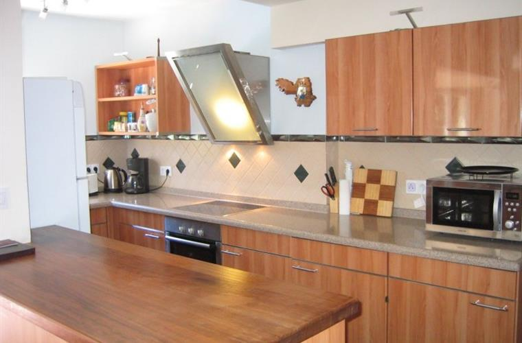 Modern German made fully equipped kitchen
