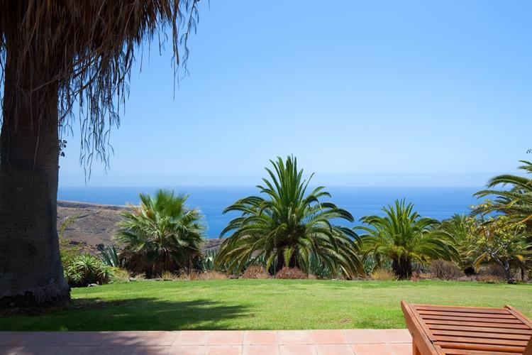 Beautiful sea and garden views for your relax