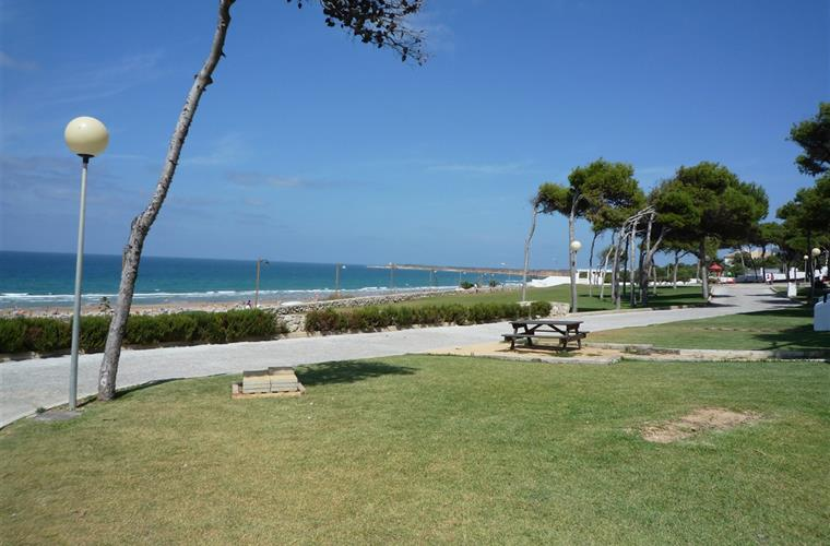 Take a stroll along the promenade, behind the beach at Conil