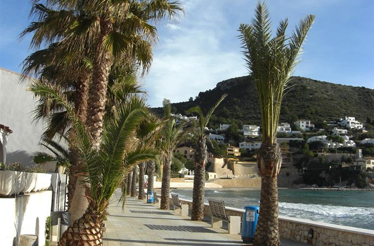 El Portet beachfront