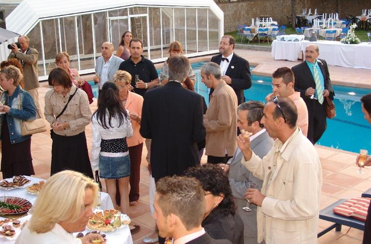 Outside Dining, a wedding celebration