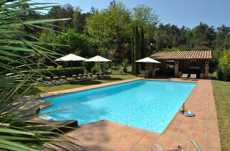 Swimming-pool (12x 6 meters),12 sun beds, pool-house...