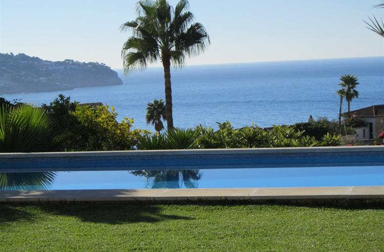 Bay of La Herradura at the foot of the swimming pool