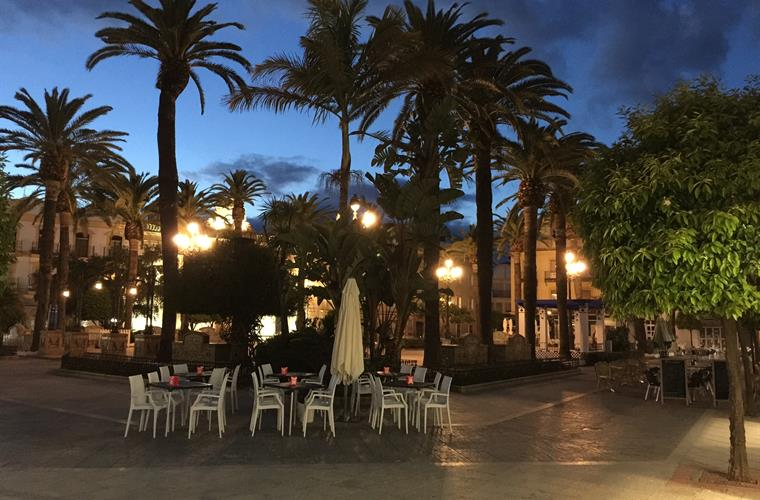 Ayamonte Plaza at night