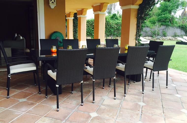 New table and chairs for 2016