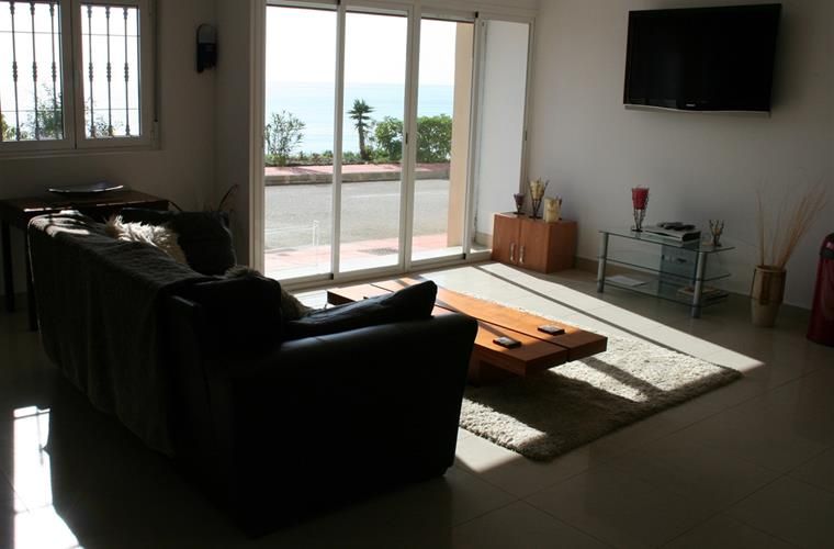 APARTMENT LOUNGE , ALSO WITH SEA VIEWS