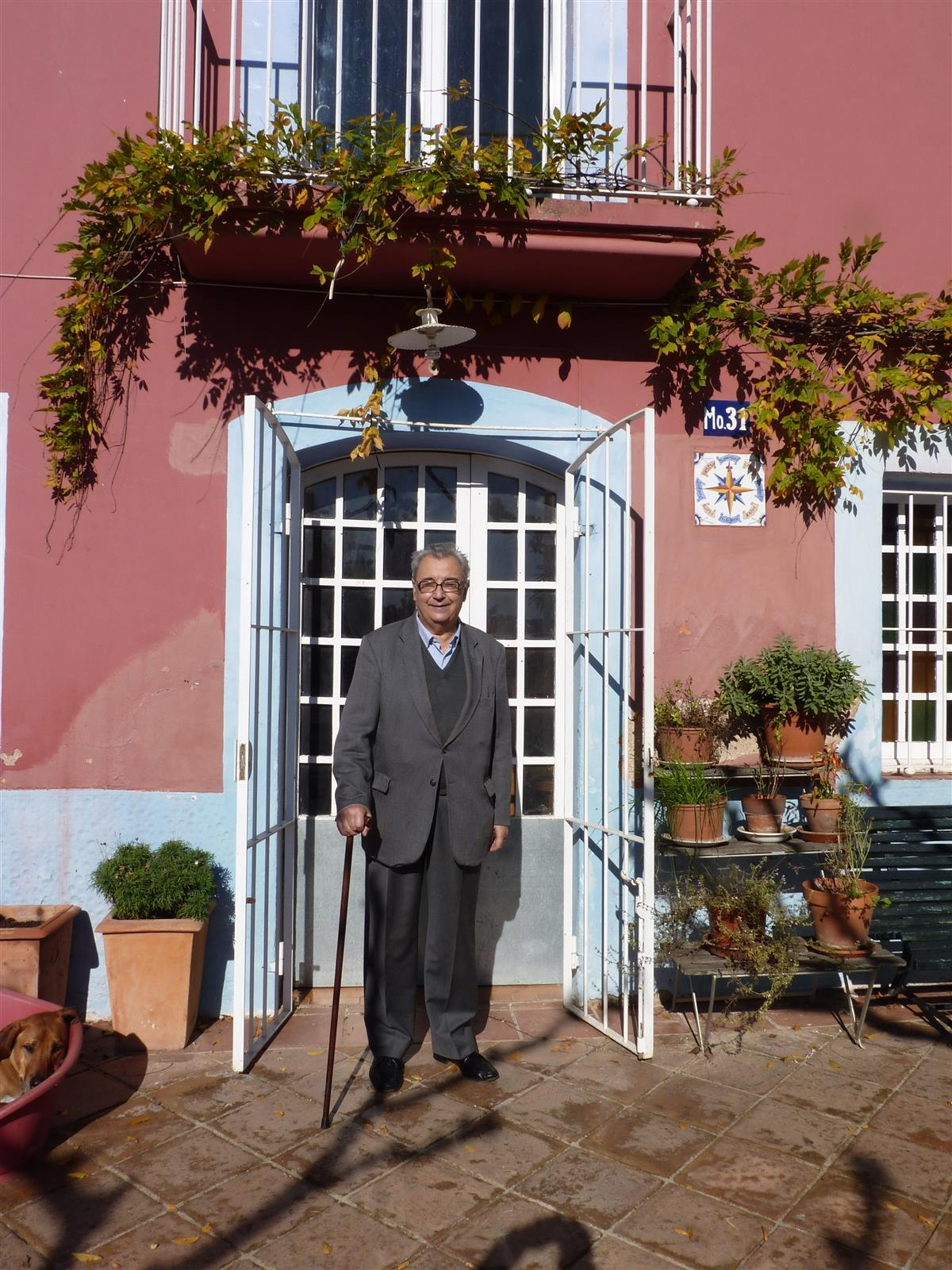 Joan Guinjoan revisiting his childhood home!