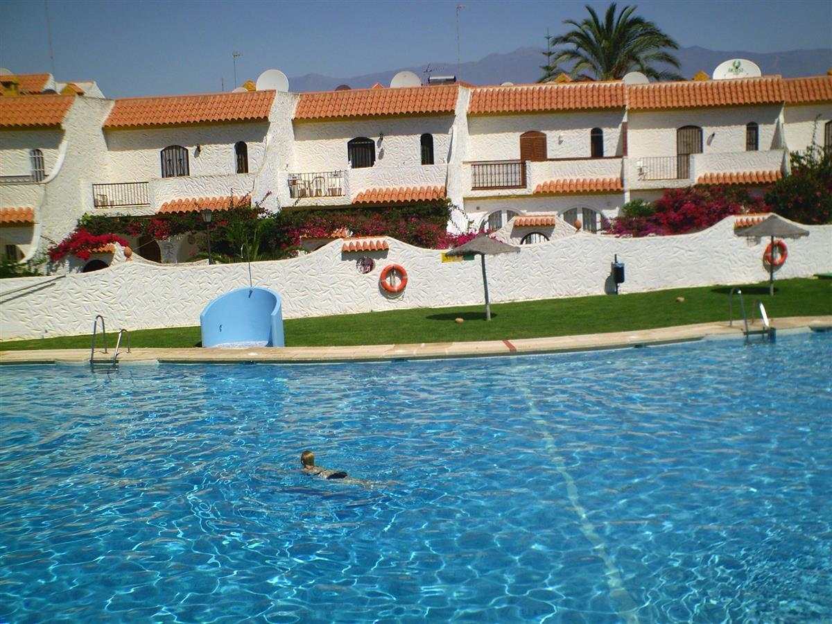 Pueblo Andaluz swimming pool