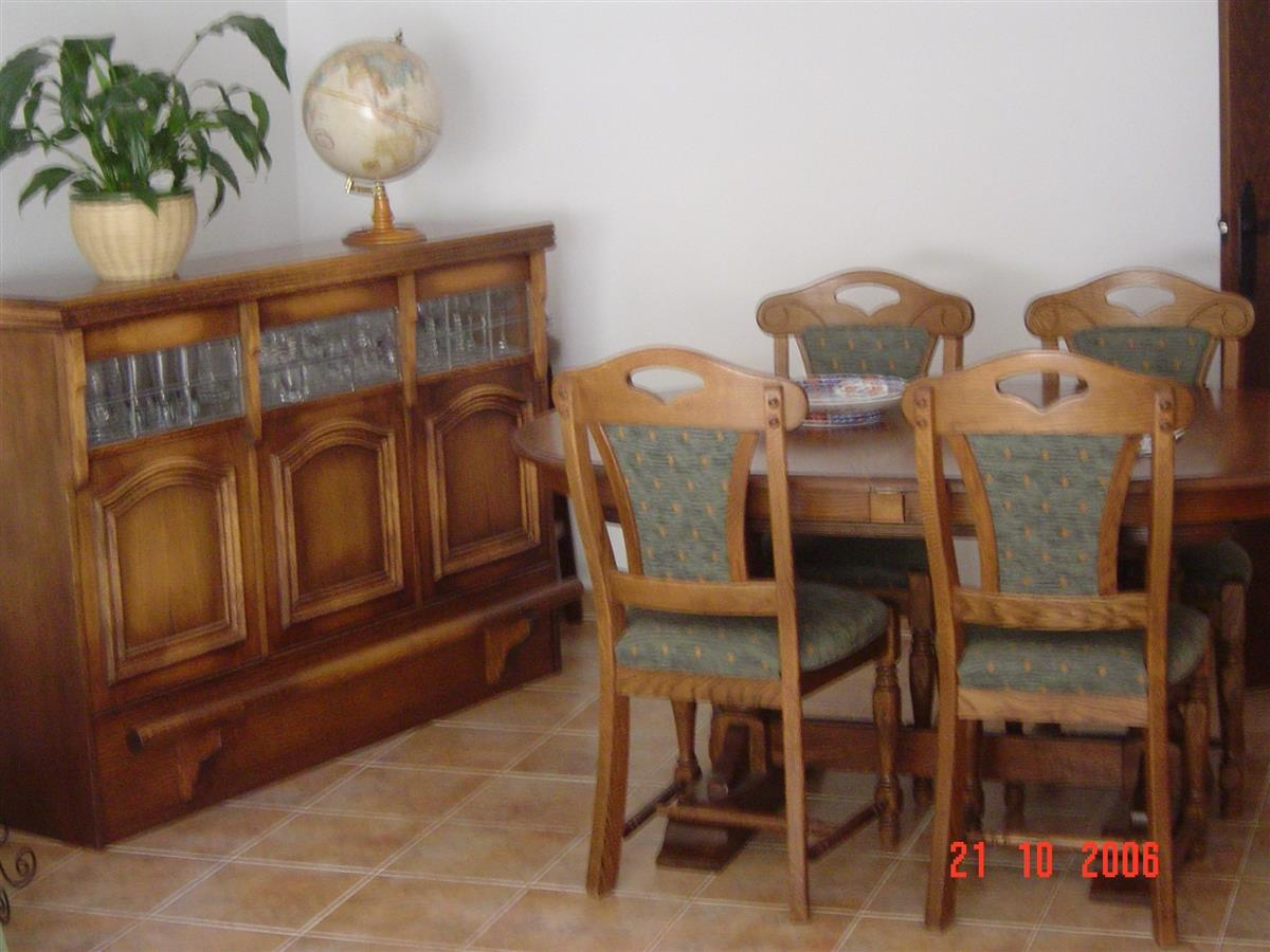 Dining room with Bar