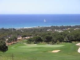 Cabopino golf, 18 holes and beautiful views, is 1km away