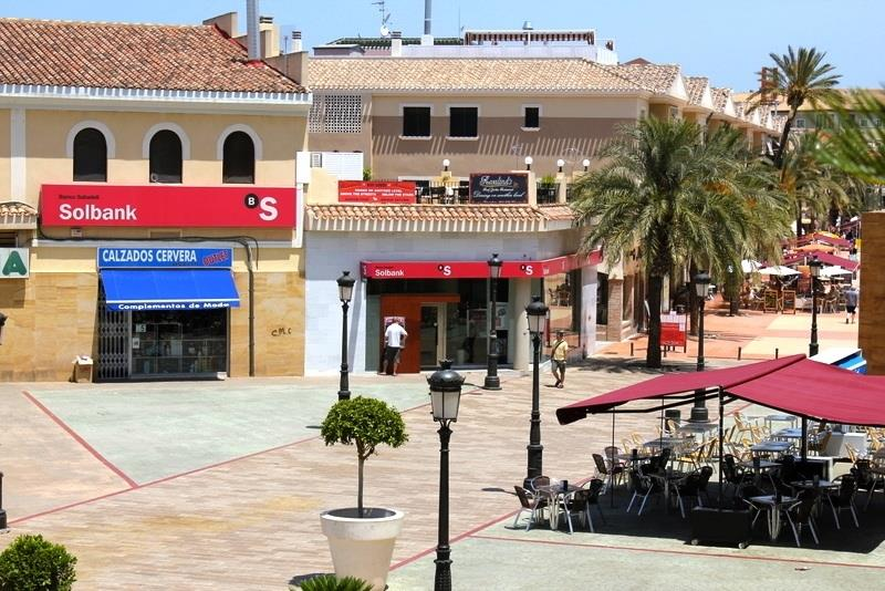 Restaurants in Alcazares