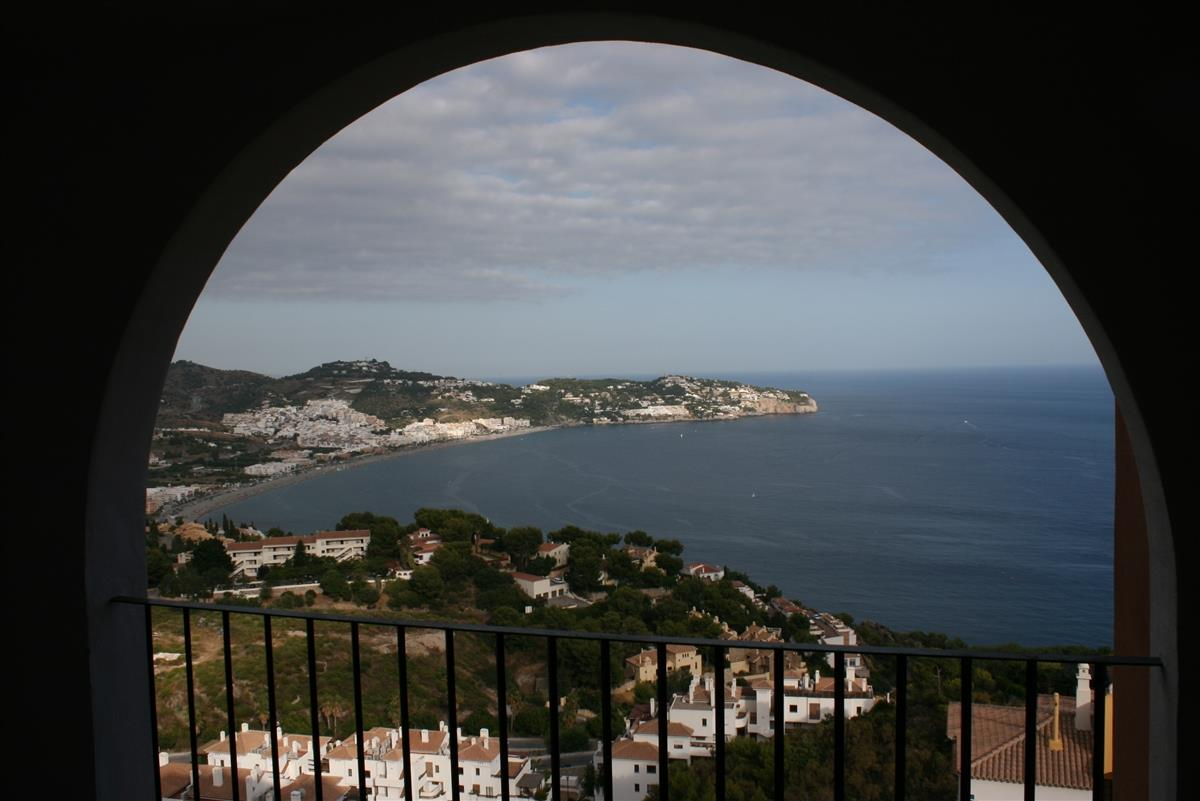 View over La Herradura bay from the spacious balcony.