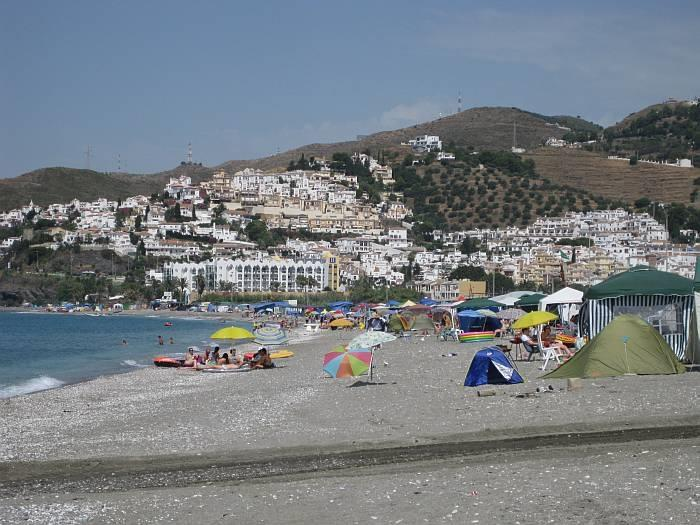 Beach and walk to Nerja 10 minutes