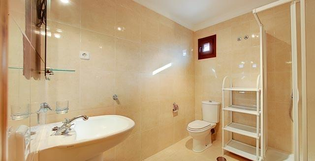 A large family shower room also on the first floor