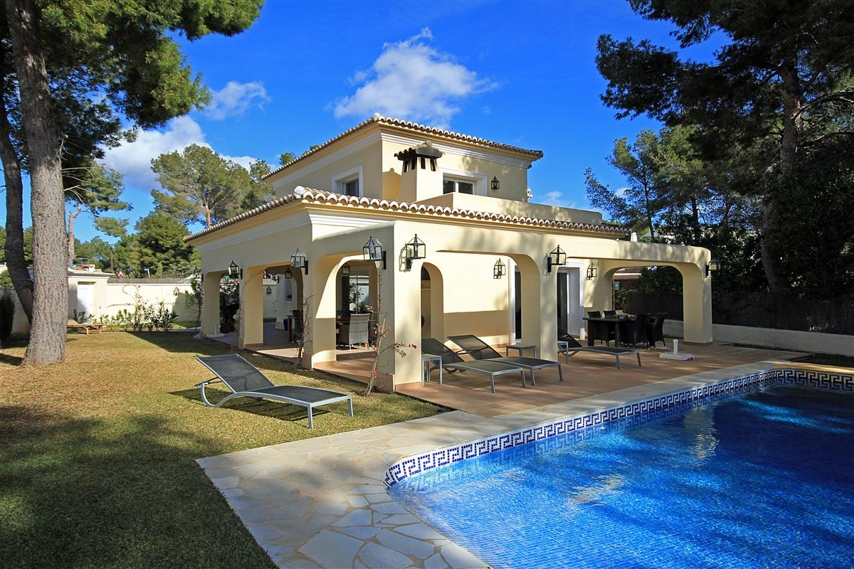 Holiday villa for rent in moraira el portet moraira - Villa el portet ...
