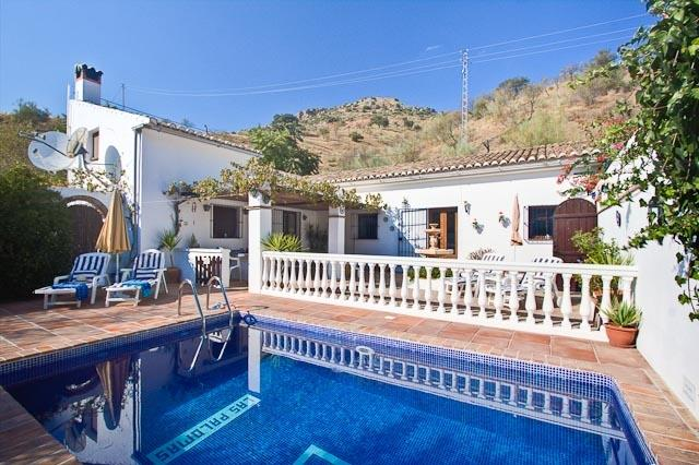 The holiday villa is child friendly & has a wonderful private pool