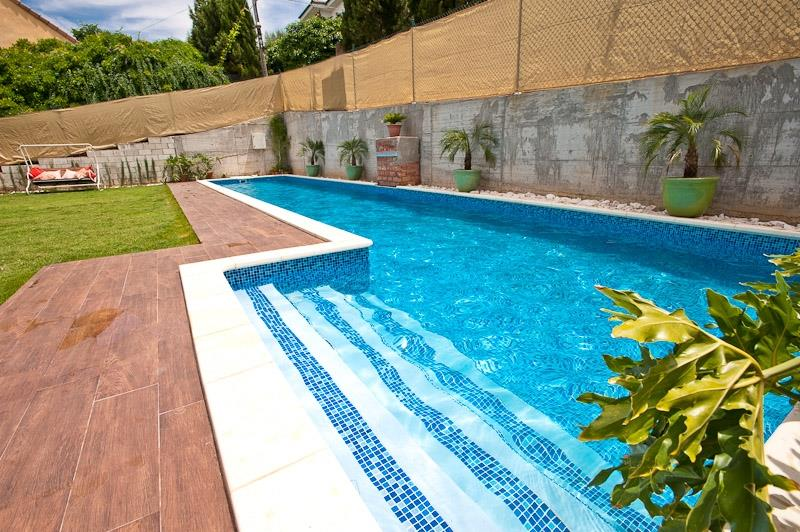 Pool 15m x 3m (50 x 10ft) with saline chlorination.
