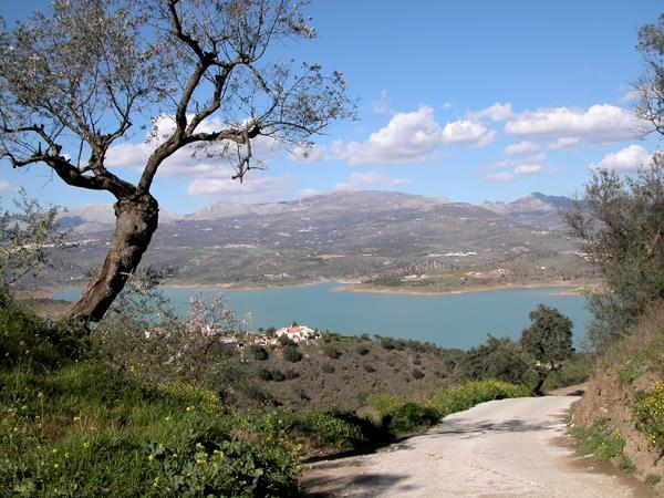 Nearby Lake Vinuela