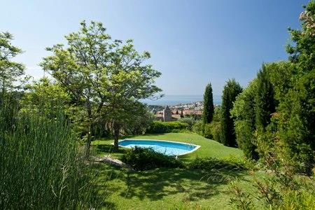 20.000 m2 of Garden Views: Sea, Town, Mountains and Barcelona City