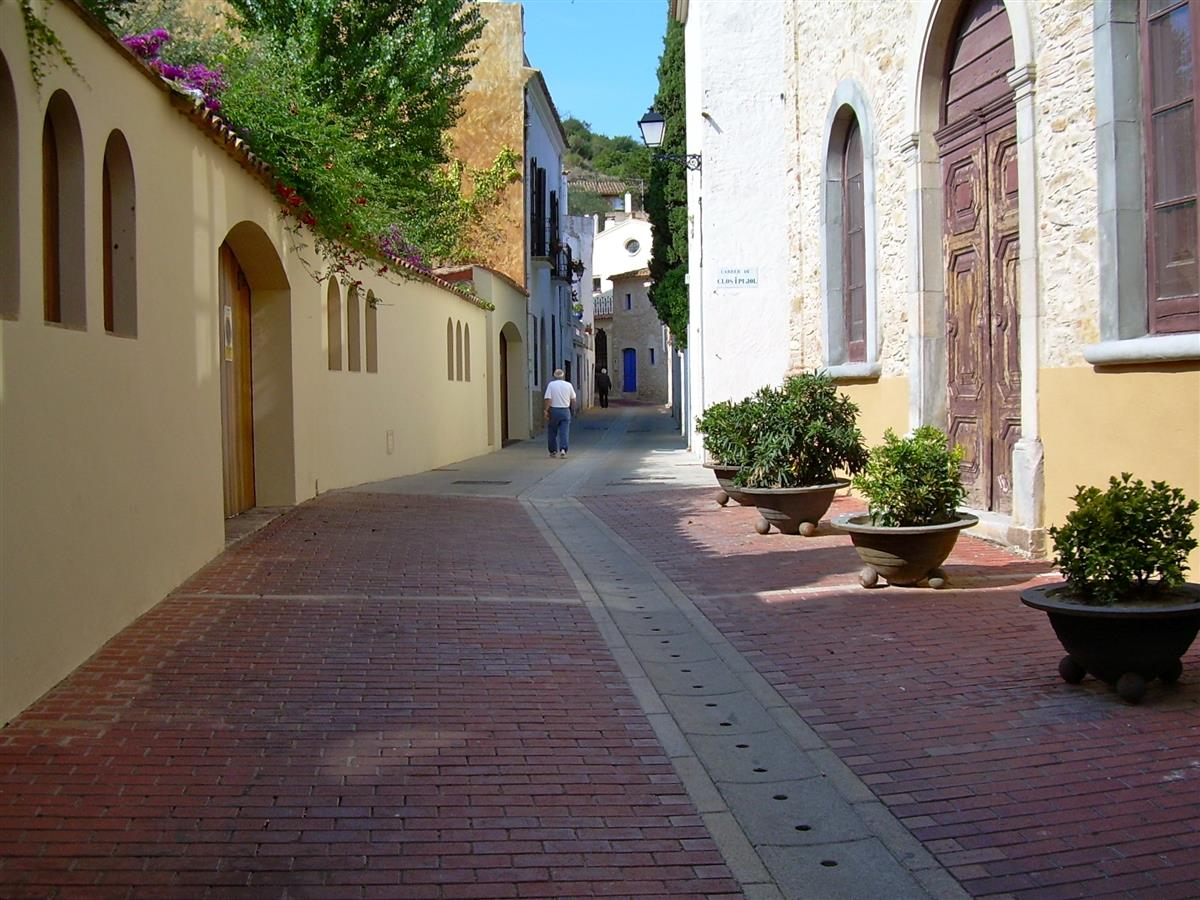 a walk through Begur village
