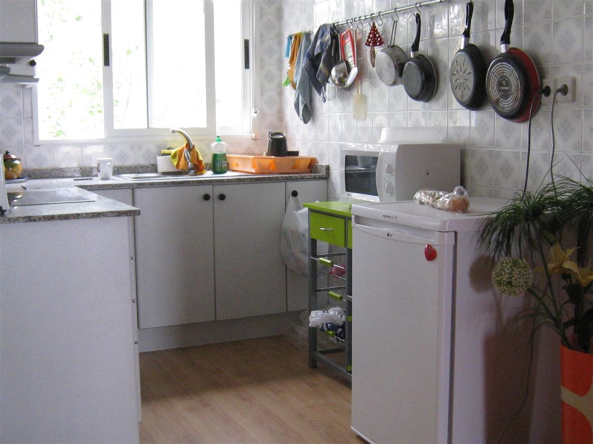 Small but well-equipped kitchen for the budding Mediterranean cook