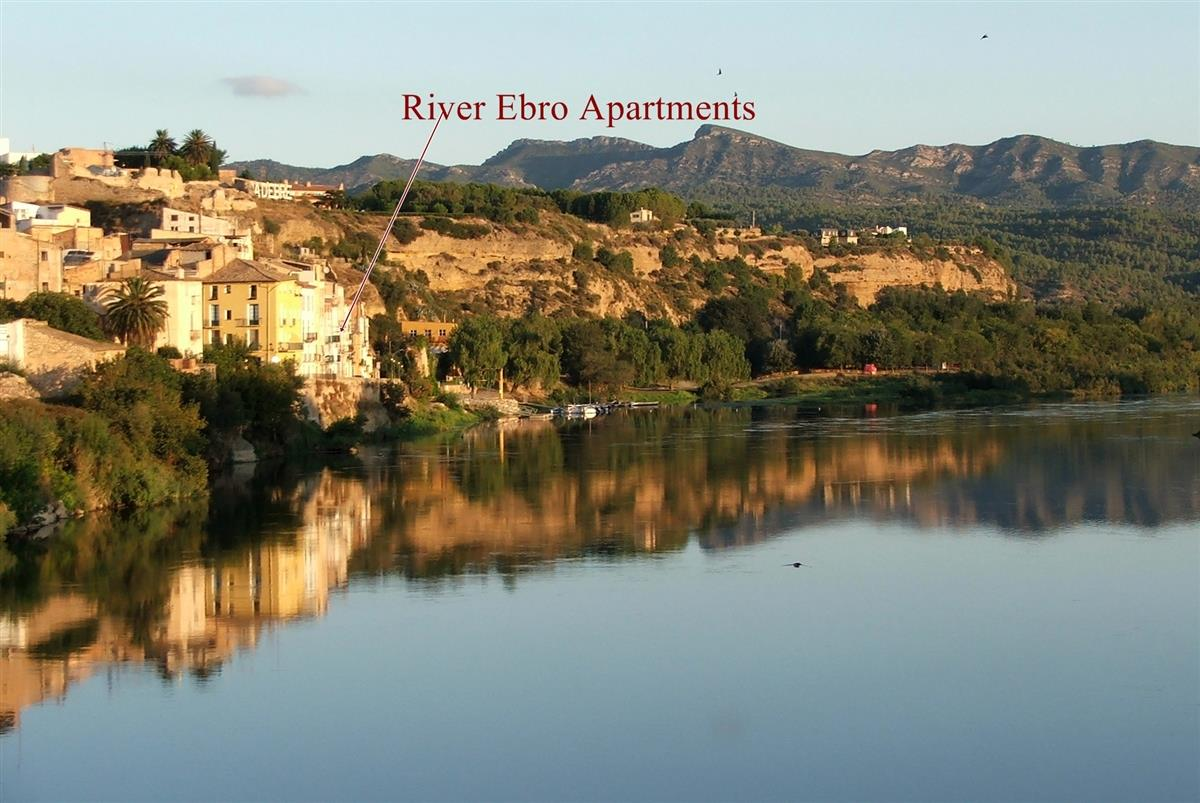 A perfect location overlooking the River Ebro
