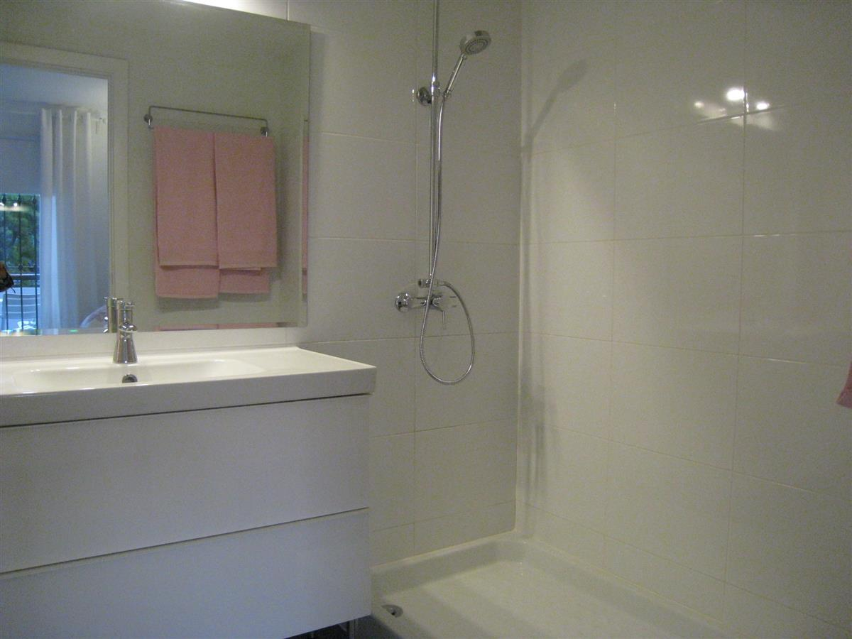 Reserve your holiday rental home in puebla lucia fuengirola for Bathrooms fuengirola