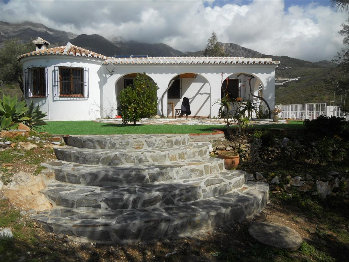 Holiday country house for rent in canillas de aceituno for Spanish country houses
