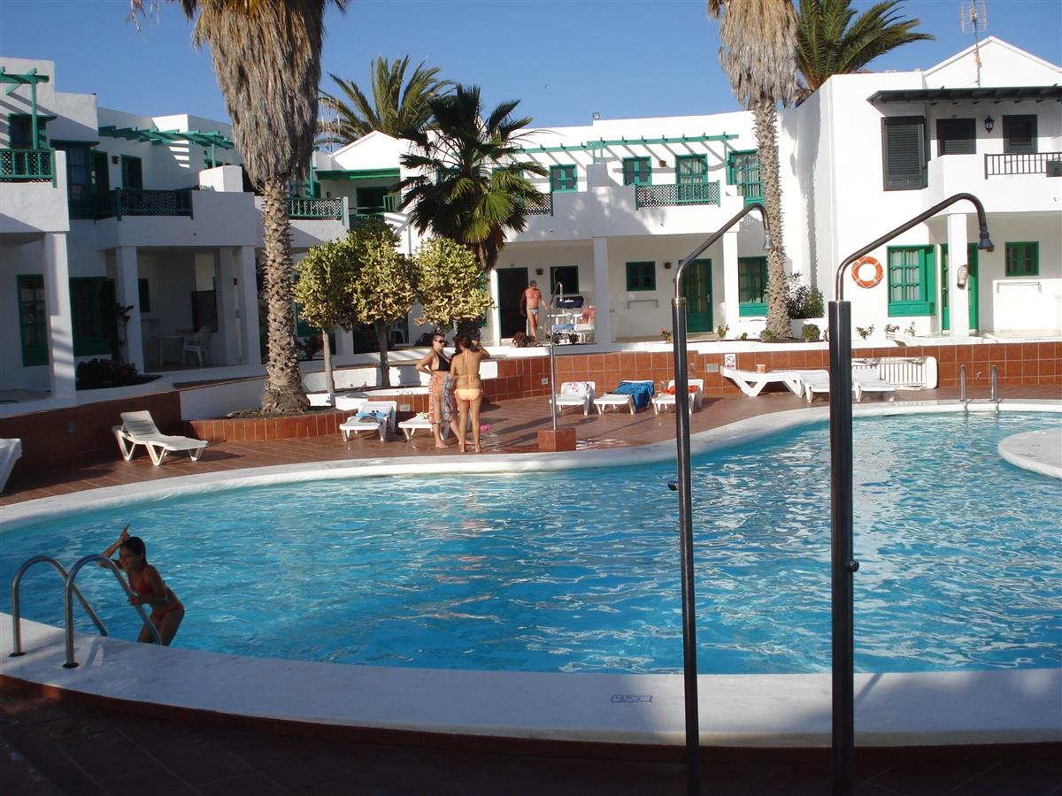 Holiday apartment for rent in puerto del carmen central puerto del carmen puerto del carmen - Puerto del carmen apartments ...