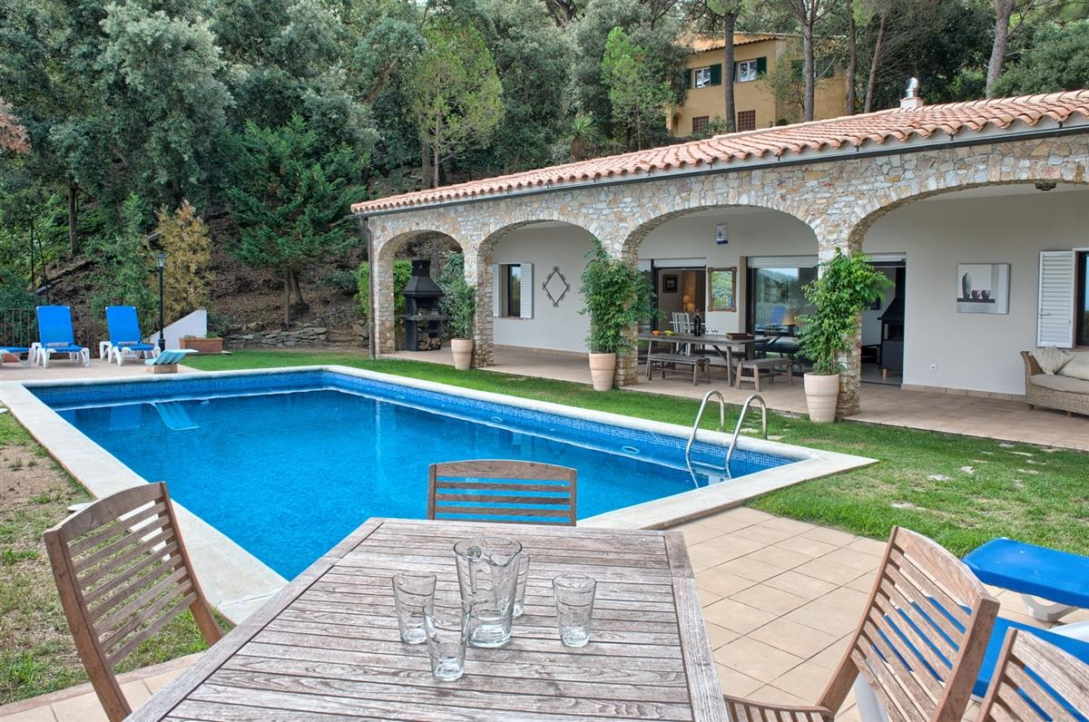large pool, garden and villa