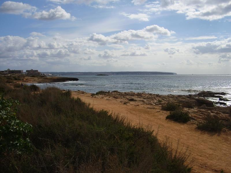 Walk along coast from Can Pastilla to Palma