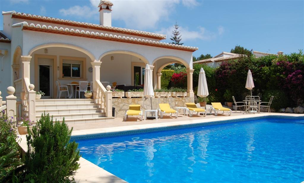 Rent a Villa in Jávea