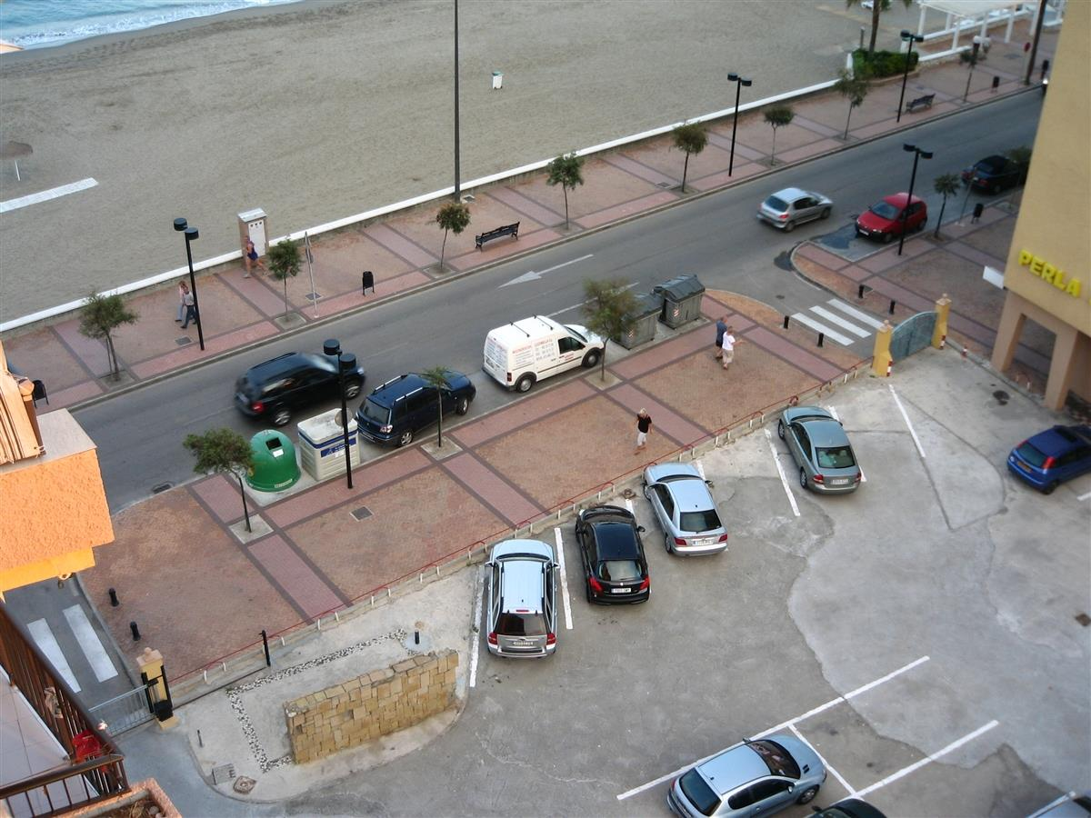 Parkingplace for the apartements.