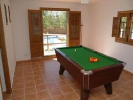 Games room, table tennis, badminton, etc