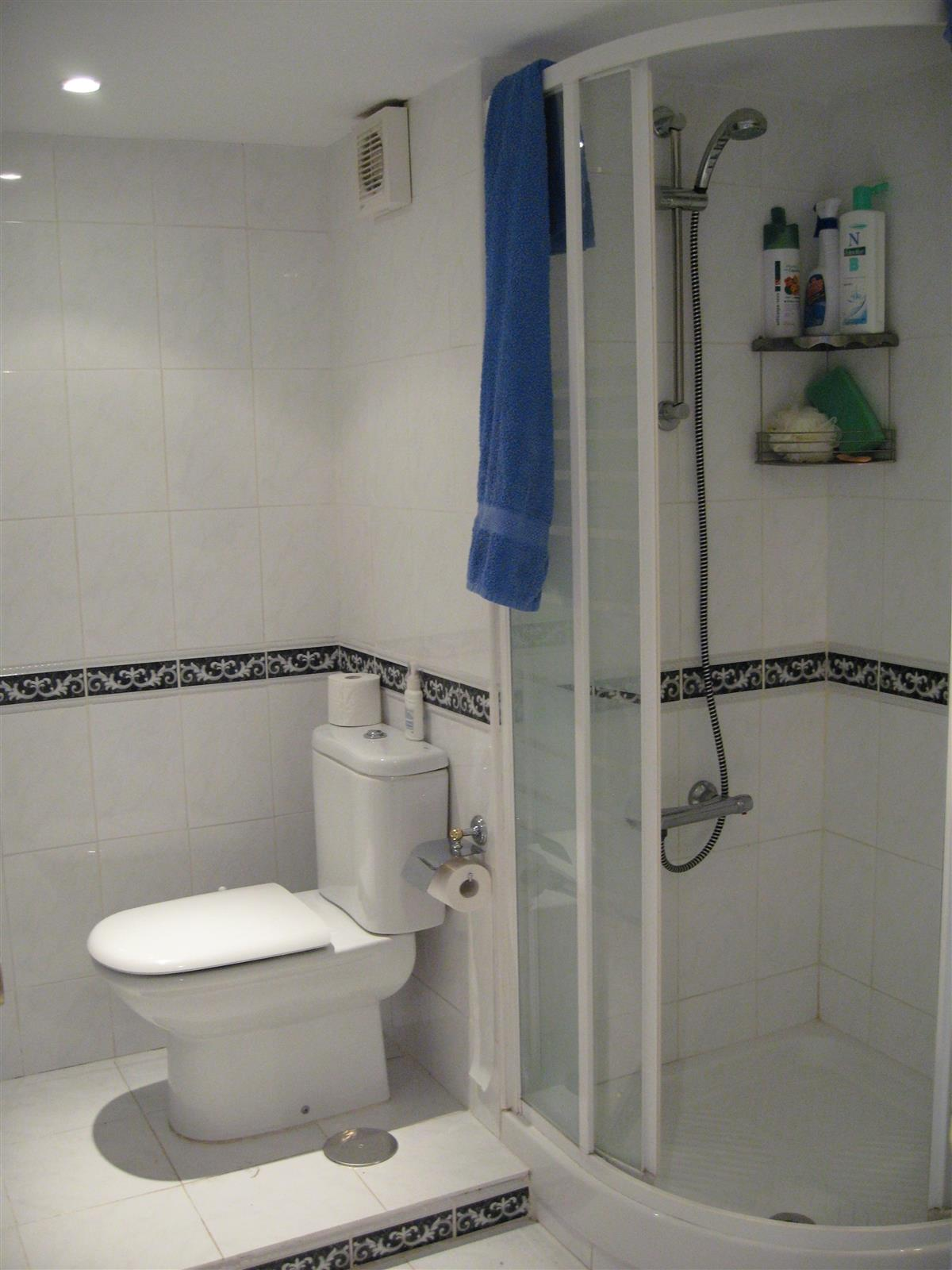 Holiday studio for rent in fuengirola fuengirola centre for Bathrooms fuengirola