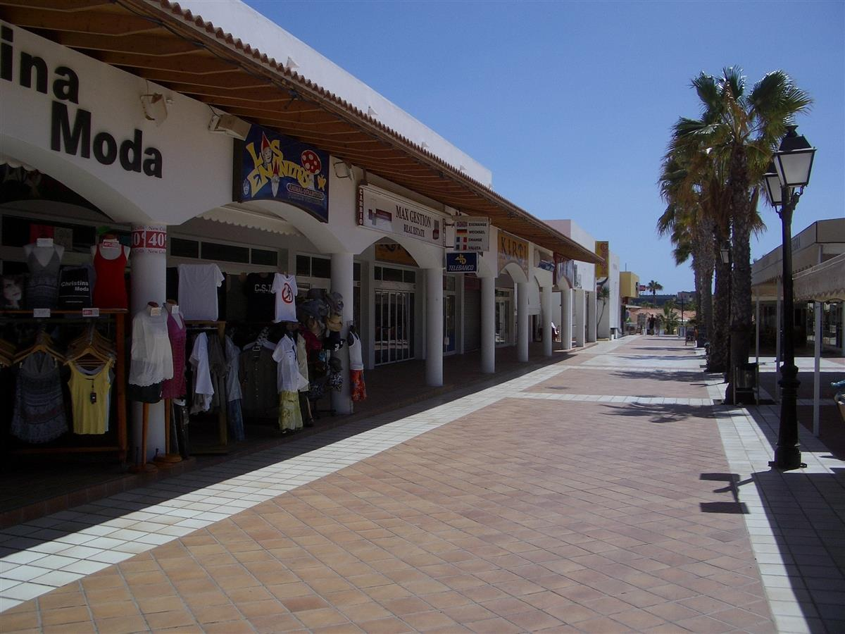 Caleta - Shopping Centre