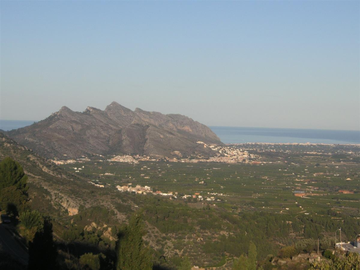 Panoramic view of the Rectoria valley down to the sea