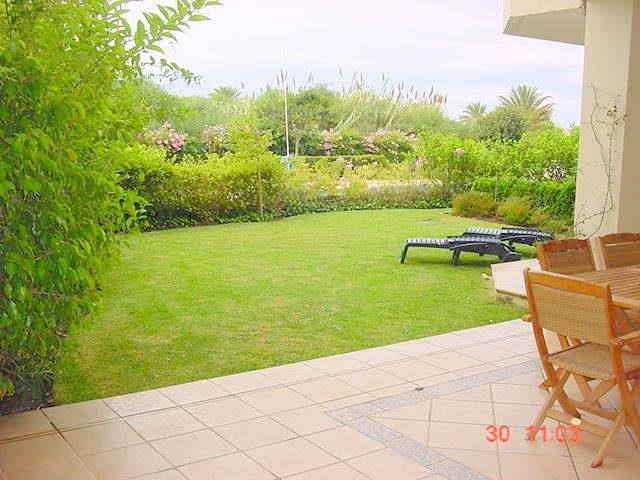 2 Bedroom garden apt- terrace and garden