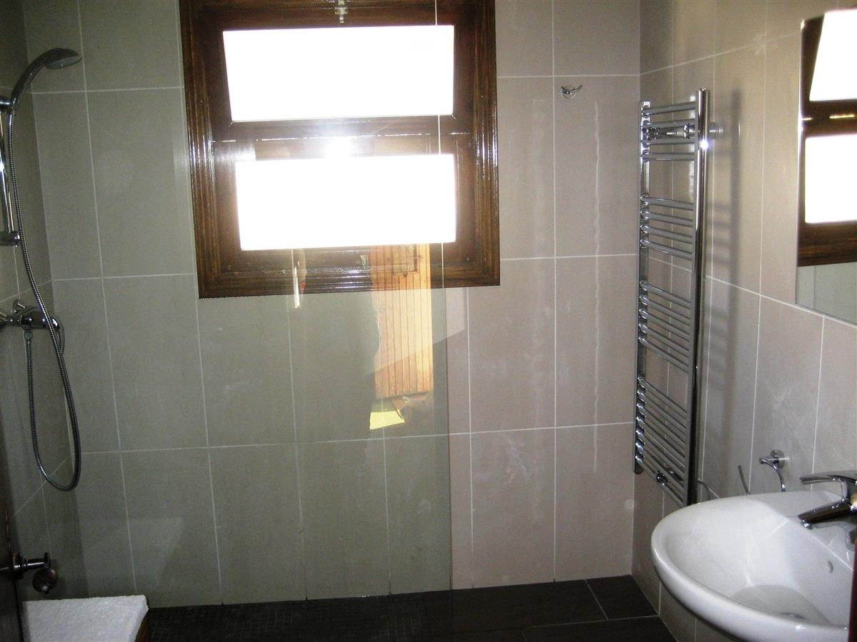 Bathroom/wetroom