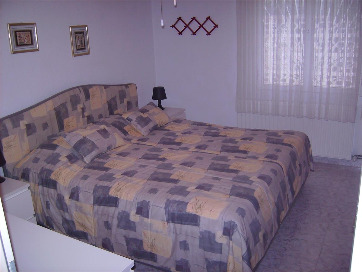 main bedroom(large double bed)