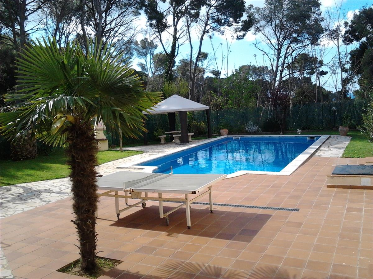 Pool area with B&Q