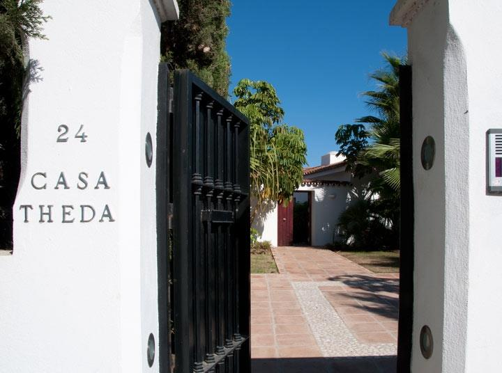Entrance to 4 bed family luxury villa by Guadalmina Baja