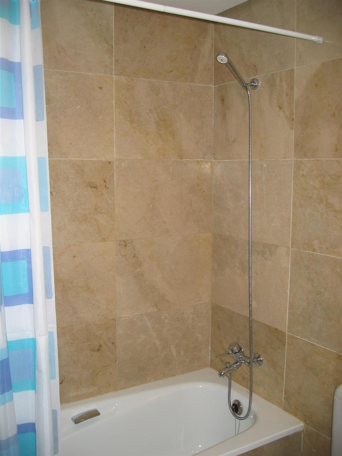Bath/Shower in the bathrooms